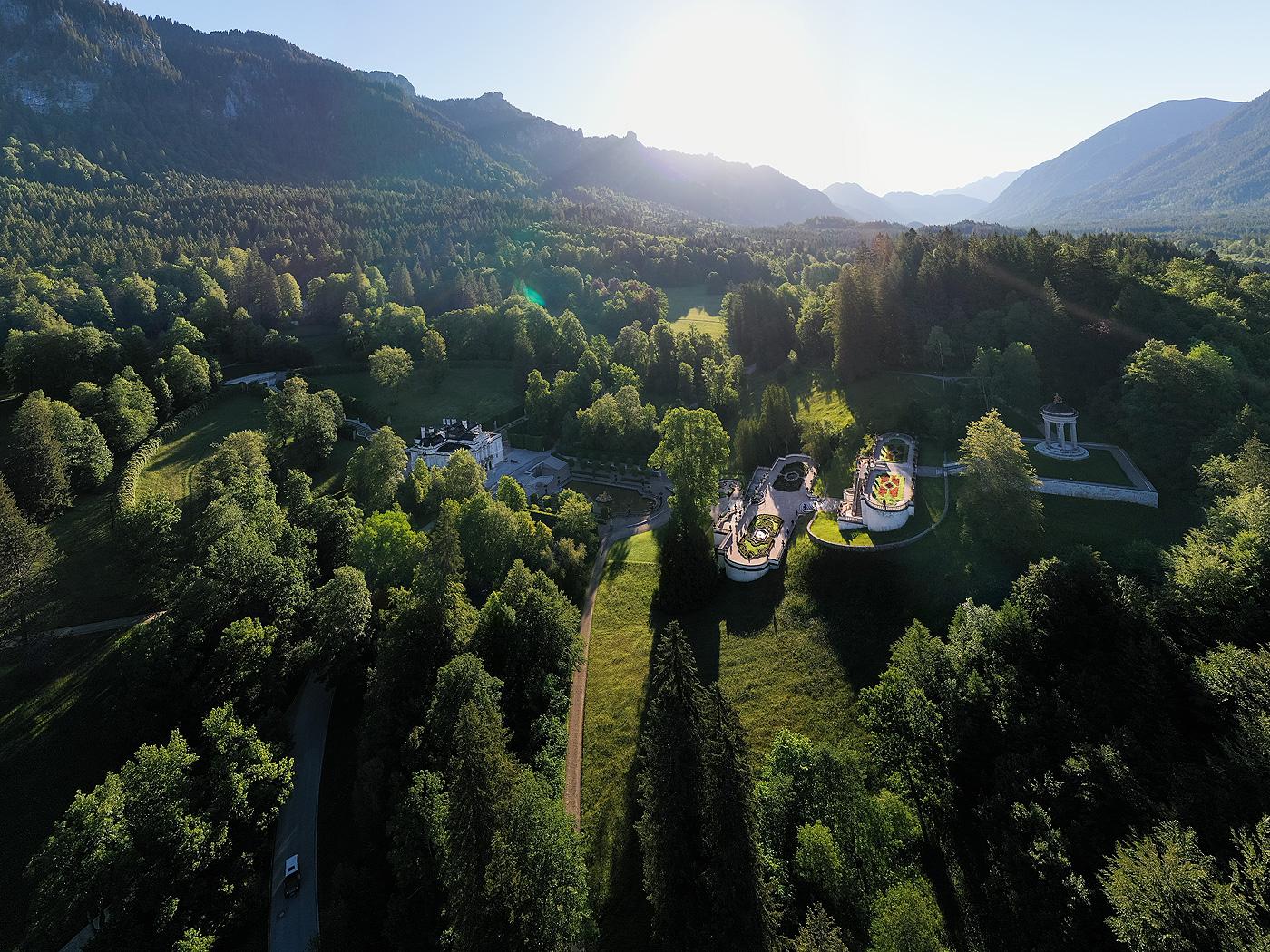 Bayerische Schlosserverwaltung Schlossanlage Linderhof Besucher Info Hotel Und Gaststatte